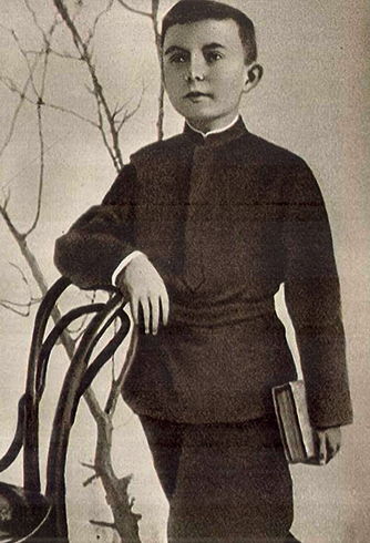 Антон Макаренко в детстве