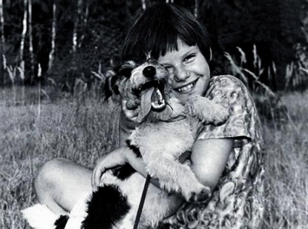 Александра в детстве