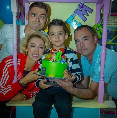 Лилия Абрамова с семьей