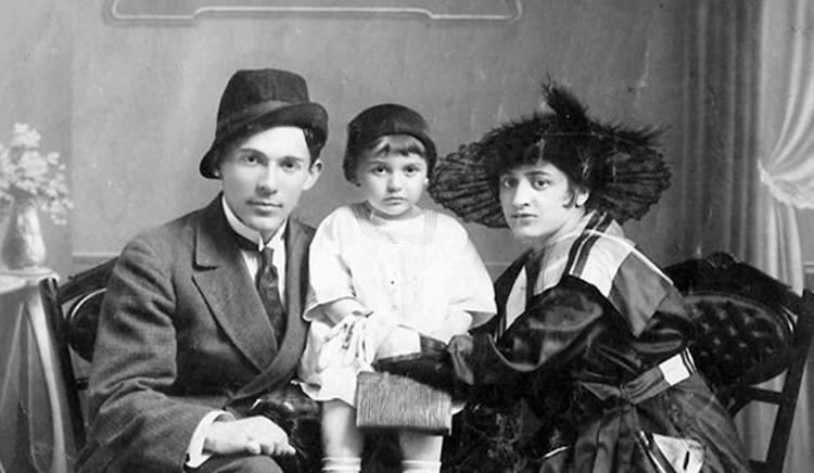 С женой Еленой и дочерью Эдит