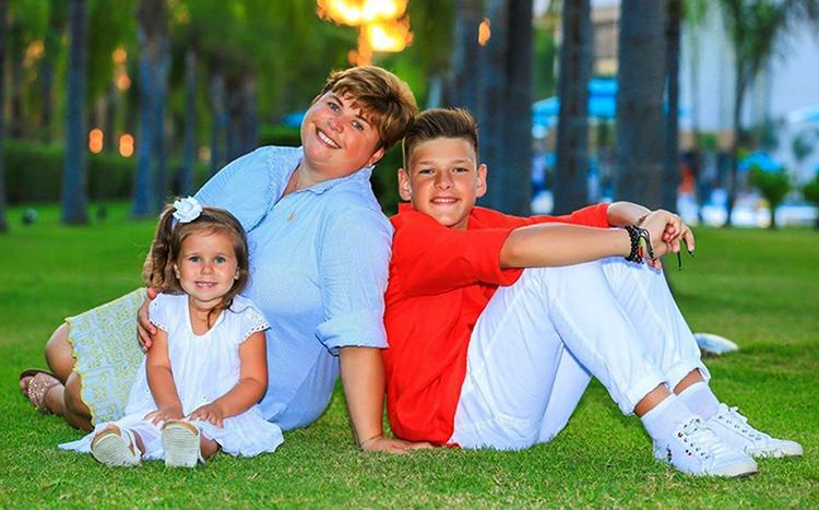 Елена Куликова с детьми