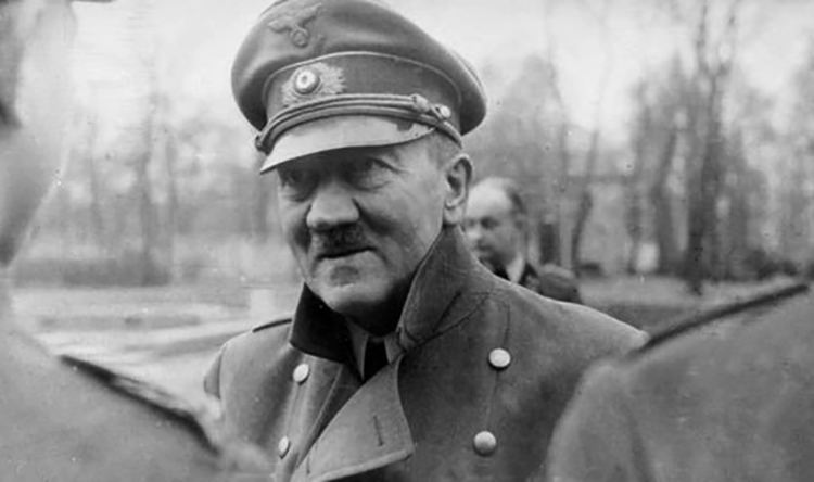 Гитлер незадолго до смерти