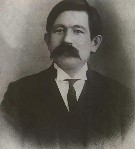 Молодой Гаяз Исхаки