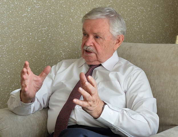 Писатель Альберт Лиханов