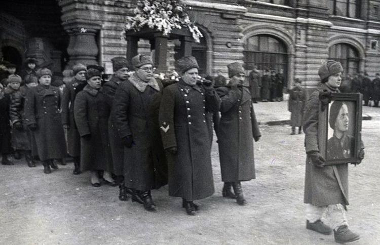 Похороны Марины Расковой