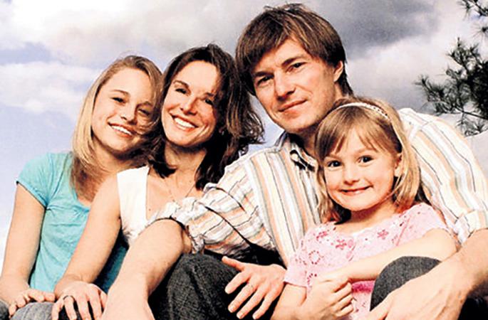 Со вторым мужем Ильей и детьми