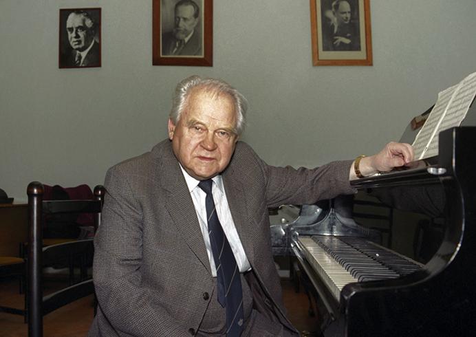 Тихон Хренников в старости