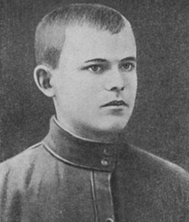 Н. Ватутин в юности