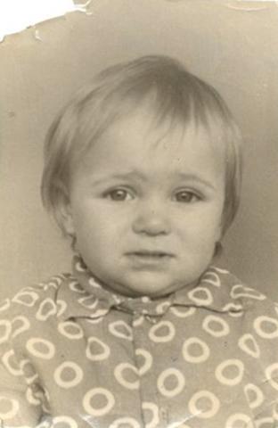 Виктория в детстве