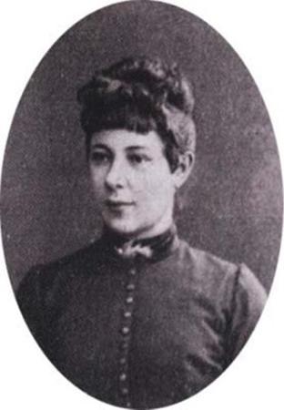 Жена — Анна Карловна