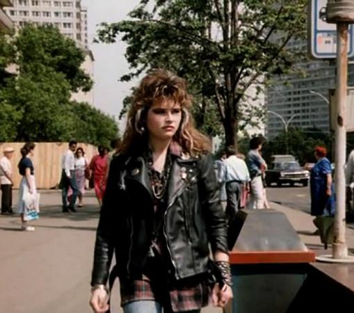 В фильме «Авария – дочь мента» (1989)
