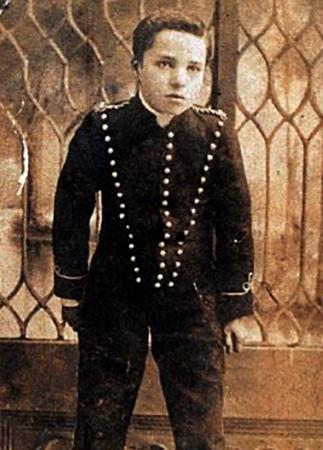 Чаплин в пьесе Шерлок Холмс, в котором он появился между 1903 и 1906 годами