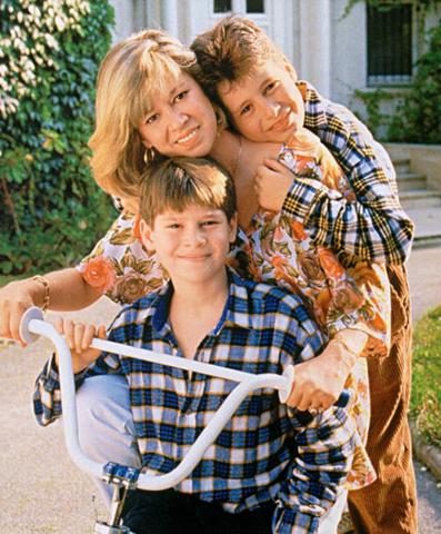 Кристин Дельво с сыновьями Джонатаном и Жюльеном