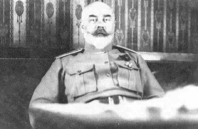Антон Деникин в 1920 г. после отставки