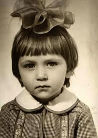 Ирина Пивоварова в детстве