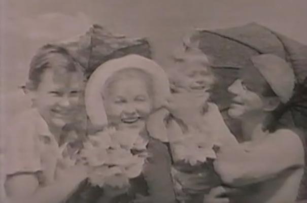 В. Марецкая и Ю. Троицкий с детьми