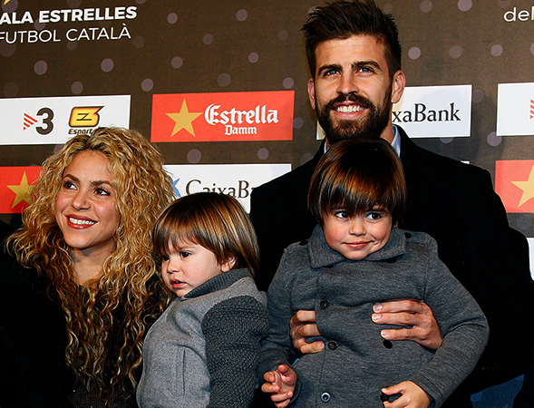 Шакира с семьей