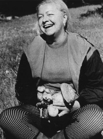 Людмила Целиковская в старости