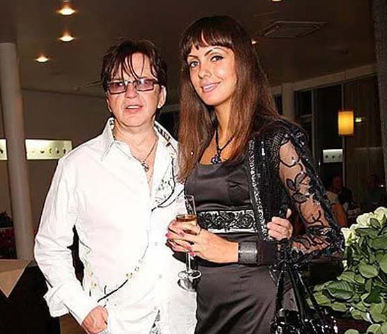 Со второй женой Нелли