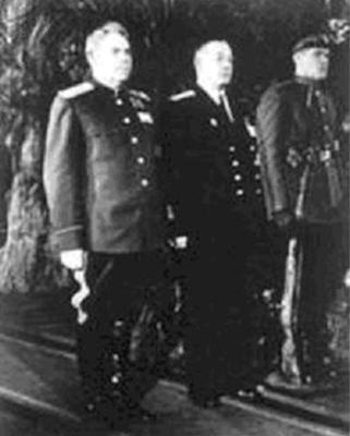 А.М. Василевский и Н.Г. Кузнецов на похоронах Сталина