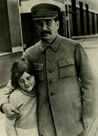 Иосиф Сталин и дочь Светлана