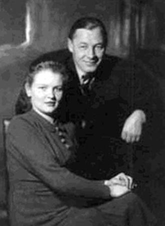 С женой Верой Николаевной (1941)