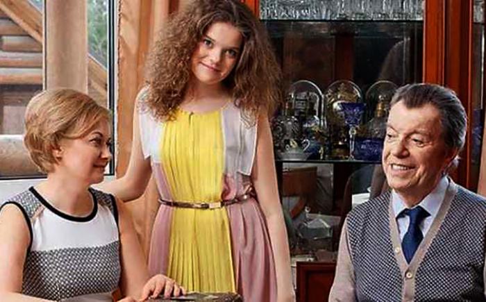 С женой Татьяной и дочерью Анной