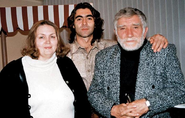 В молодости с Т. Власовой и А. Джигарханяном