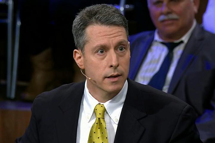 Журналист Майкл Бом