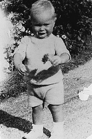 Джордж Буш — старший в 1925 г.