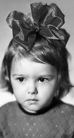 Ольга Понизова в детстве