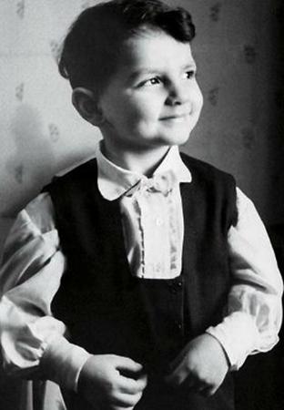 Карен Шахназаров в детстве