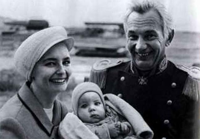 С женой Ольгой и сыном Федором