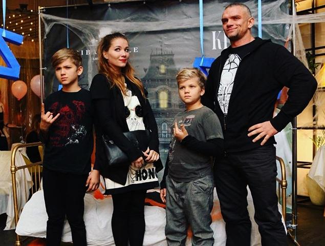 С Владимиром Епифанцевым и детьми