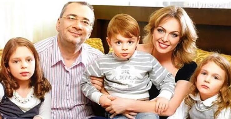 С первой женой Яной и детьми