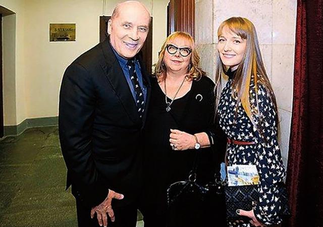 С женой Мариной и дочерью Александрой