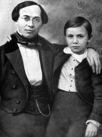 Анатолий с отцом Федором Алексеевичем
