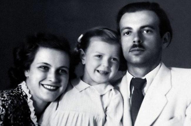 С первым мужем Константином и дочерью Натальей