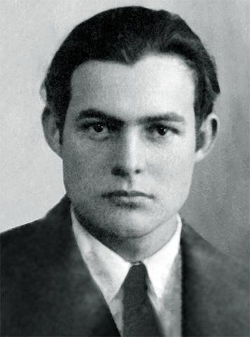 Эрнест Хемингуэй в 1923 г. (фото на паспорт)