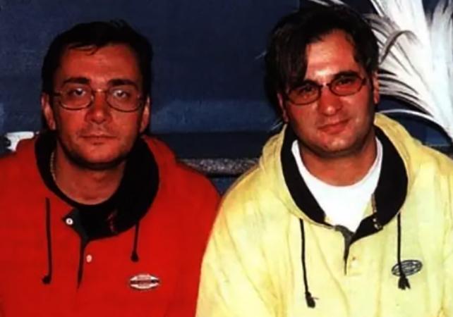 Константин (слева) с братом Валерием в молодости