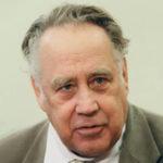 Биография Владислава Крапивина