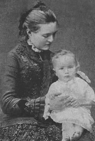 Александр Керенский в детстве с мамой