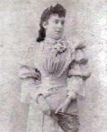 Мать — Леонор Сото де Галарц