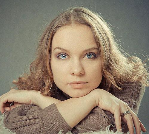 Красивая Полина Сыркина