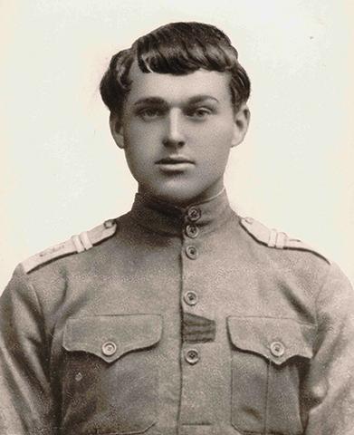 Константин Рокоссовский в 1917 г.