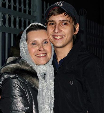 С сыном Дмитрием