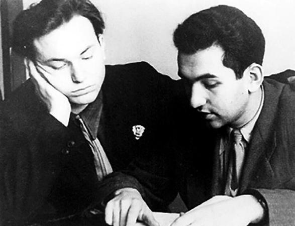 Юрий Лужков (слева) в молодости