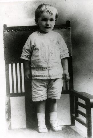 Юрий Андропов в возрасте 3 лет