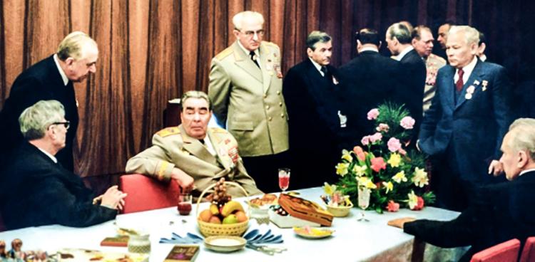 М.А. Суслов,  Л.И. Брежнев, Ю.В. Андропов, Д.Ф. Устинов,  К.У. Черненко (1978)