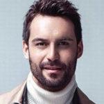 Али Эрсан Дуру — биография и личная жизнь актера
